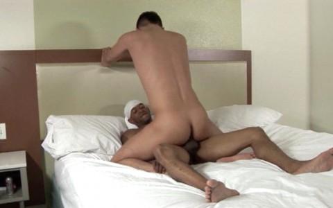 l6393-universblack-gay-sex-porn-black-flava-white-ass-punisher-007