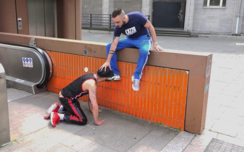 l12841-cazzo-gay-sex-porn-hardcore-videos-berlin-german-skins-sneakers-hard-geil-001