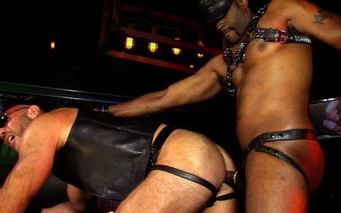 l12677-darkcruising-gay-sex-porn-hardcore-videos-hard-fetish-bdsm-rough-017