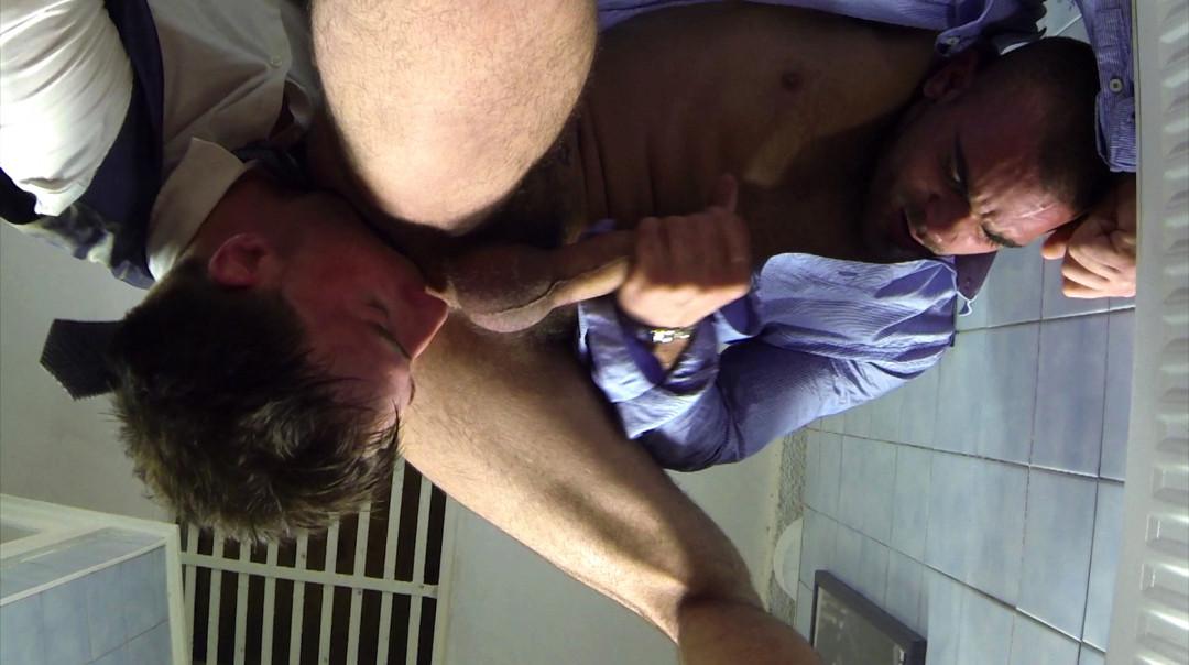 Manly fuck in the restroom between Damien Crosse and Kayden Gray