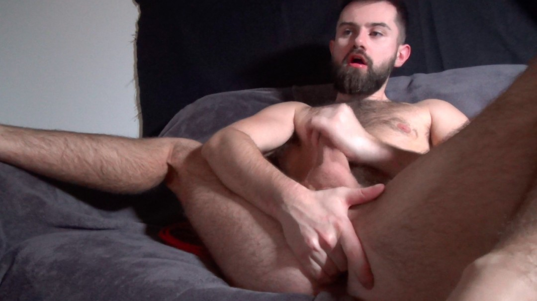 The triple cumshot of Billy Bouc