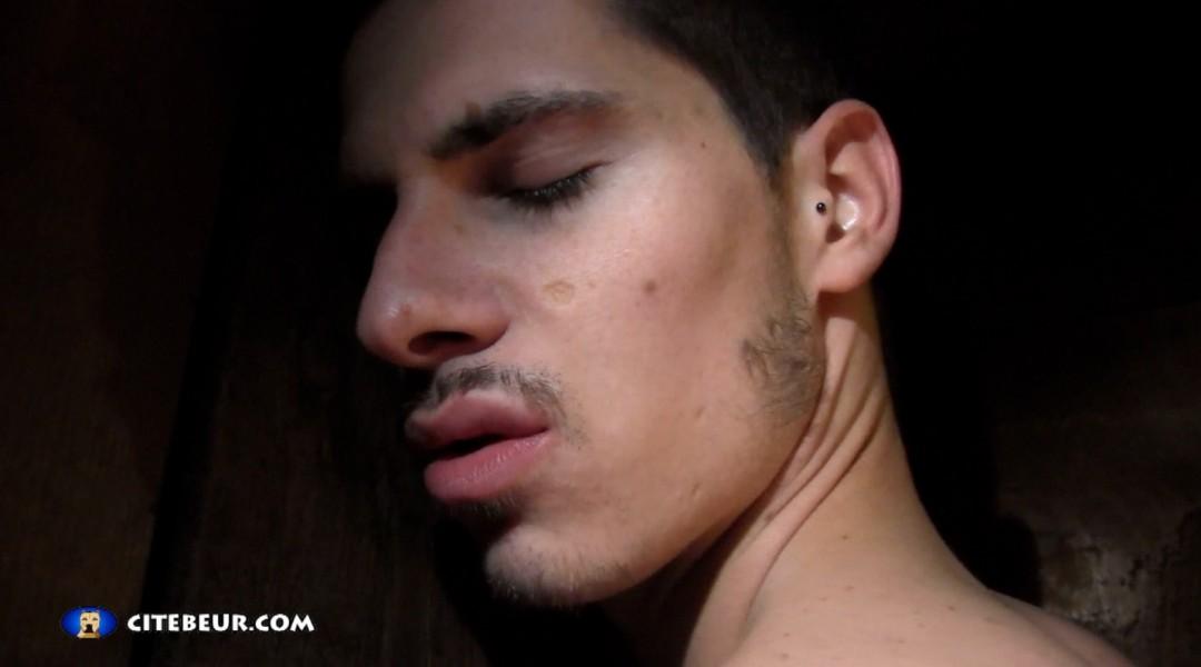 Nathan Hope zum ersten Mal in den Arsch gefickt