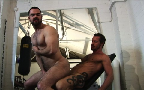 l7303-gay-sex-porn-hardcore-alphamales-out-on-the-hit-021