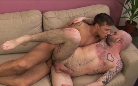 l7197-hotcast-gay-sex-porn-hardcore-twinks-staxus-boss-vs-twink-013