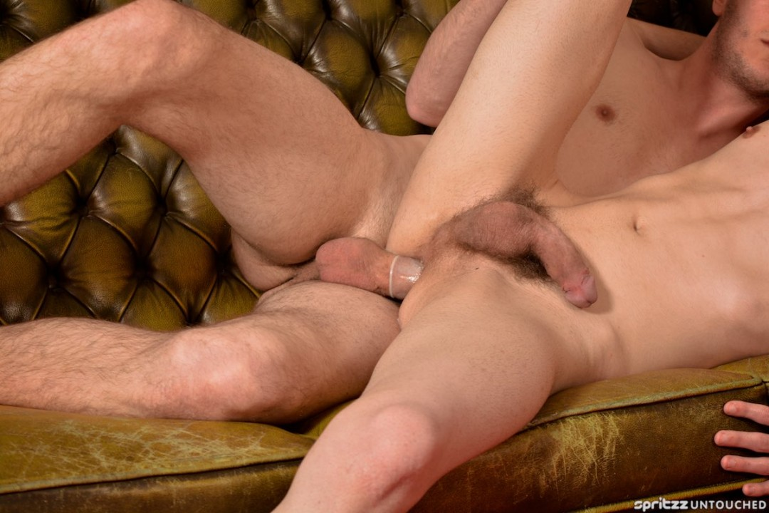XL Retro Fuck: Newcomer is made a man
