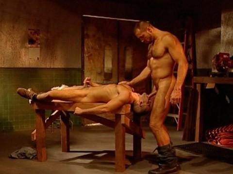 muscles-virils-baise-06