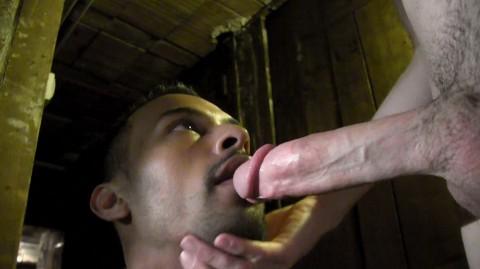 alex-tivoli-baise-karim-dans-la-cave-21