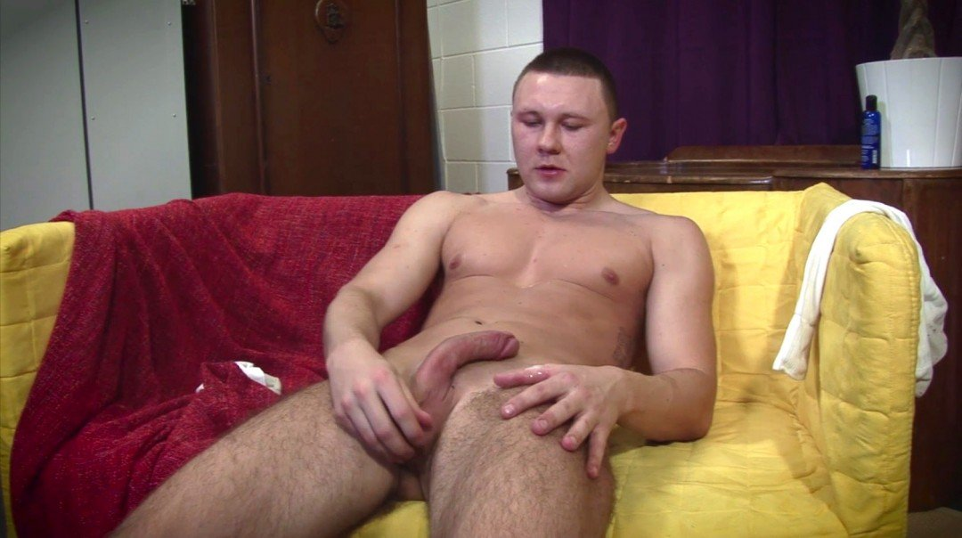 Muscled man jerk-off