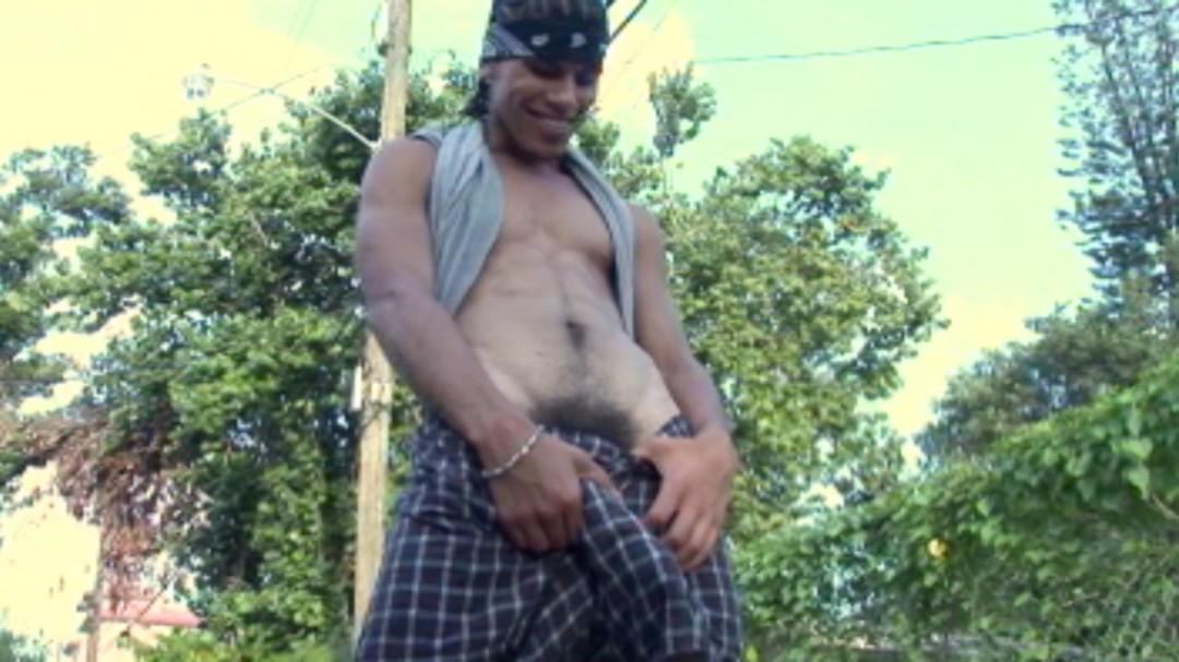 Tony Montana shows his big