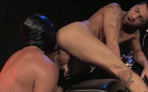 l6852-darkcruising-gay-sex-porn-hard-fetish-bdsm-raging-stallion-hard-friction-014