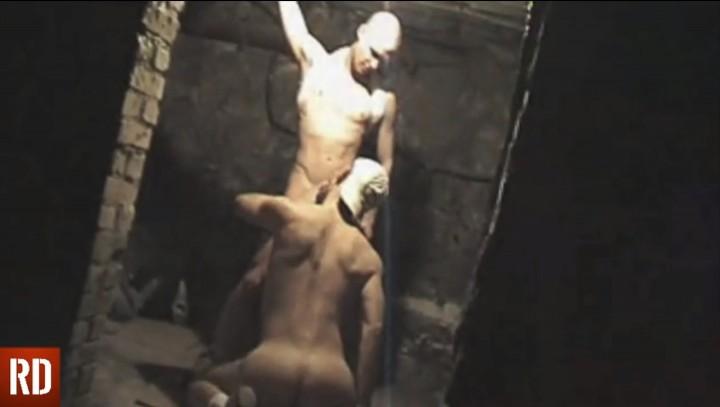 Rutting scraps in the cellars of 9.3