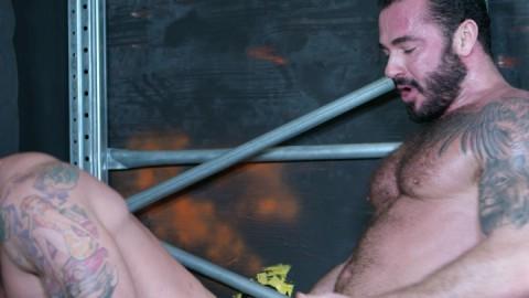 Pris en main par un bourrin macho vicelard