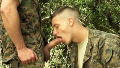 militaires-soldats-sexe-12