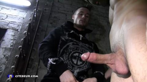 rebeu-gay-anis-baise-yo-dans-cave-12