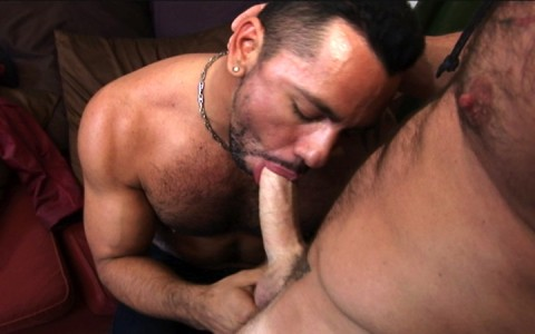 l7305-bolatino-gay-sex-porn-hardcore-latino-alphamales-out-on-the-hit-034