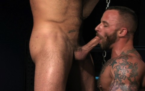 l09852-darkcruising-gay-sex-porn-hardcore-videos-hard-bdsm-fetish-darkroom-leather-rubber-skin-004