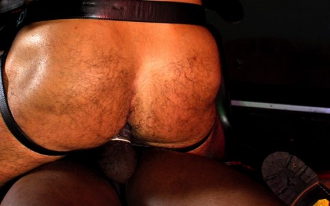 l12677-darkcruising-gay-sex-porn-hardcore-videos-hard-fetish-bdsm-rough-019