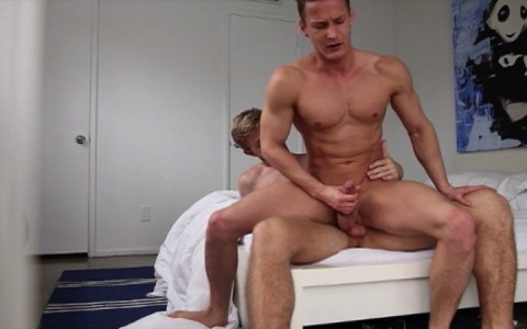 l7902-hotcast-gay-sex-porn-hardcore-videos-twinks-young-guys-minets-jeunes-mecs-cockyboys-jake-bass-et-ses-amants-014
