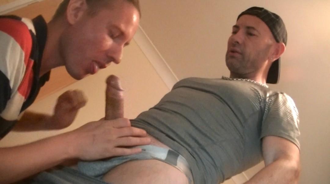 Alex HARD dose le cul de JEss avec sa grosse queue