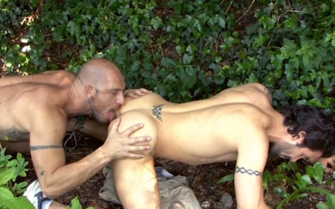 l9150-mistermale-gay-sex-porn-hardcore-videos-hairy-hunks-muscle-studs-tatoos-beefcake-scruff-males-male-male-uknm-al-fresco-fuckers-014