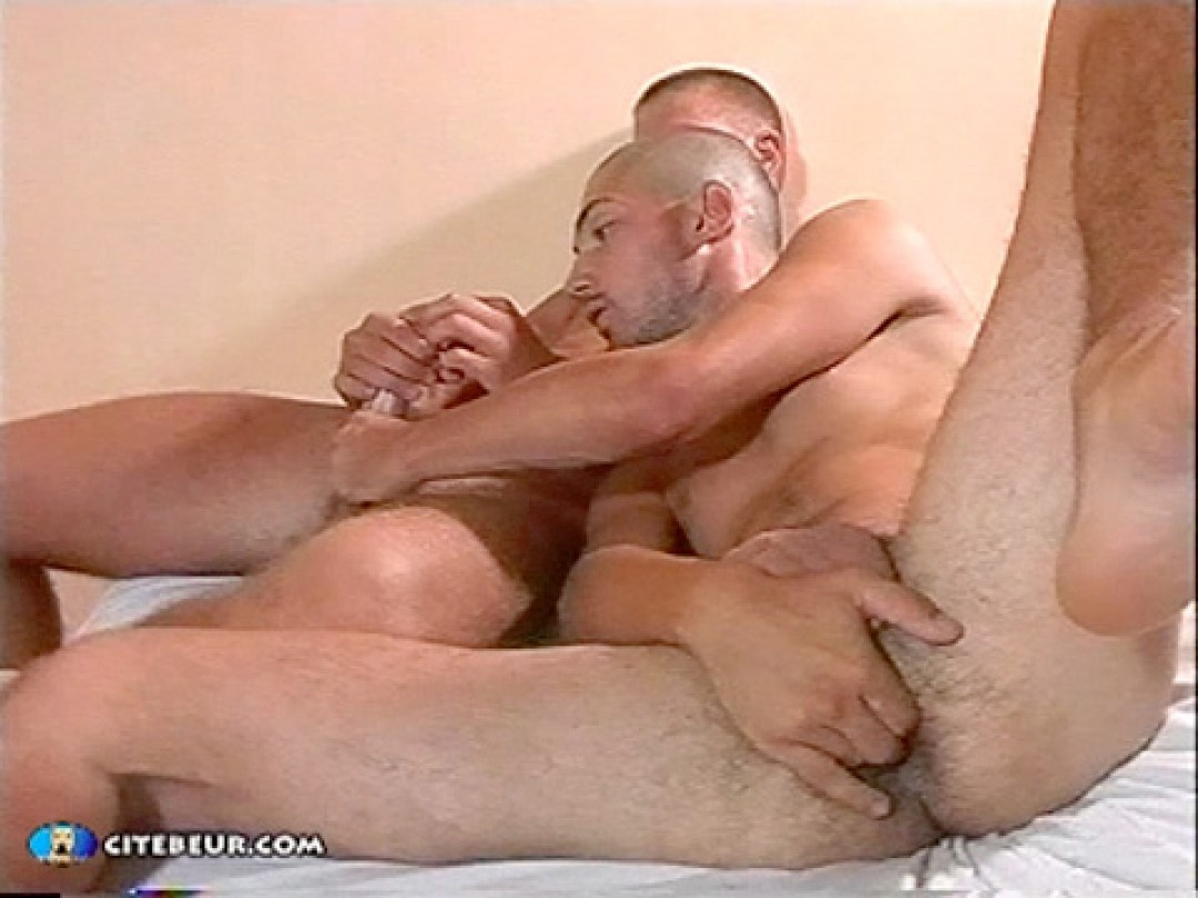 Two straight males in gay sex for the first time