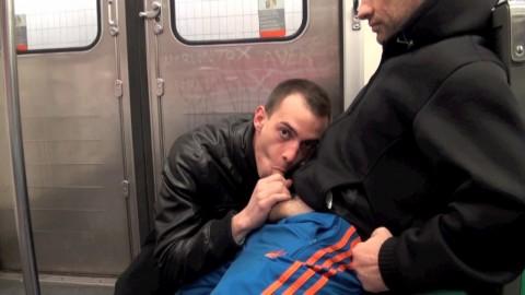 Exhib de KIFFEURS dans le métro parisien