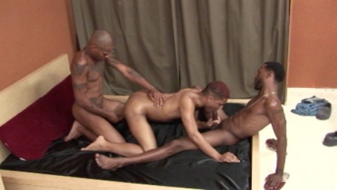 l6440-universblack-gay-sex-05