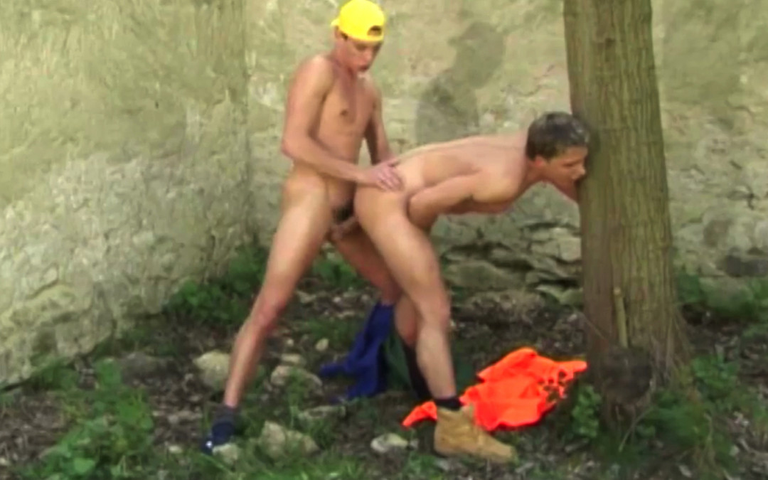Gay twinks' sperm into the woods
