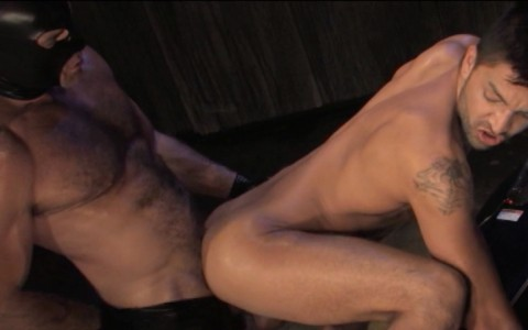 l6852-darkcruising-gay-sex-porn-hard-fetish-bdsm-raging-stallion-hard-friction-017