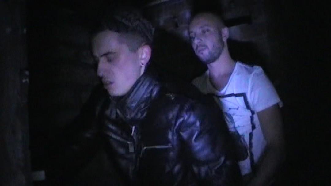 2 bas guys fuck in discret cellar
