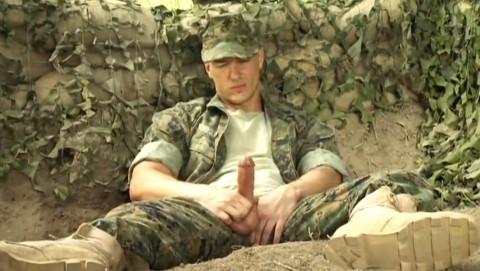 militaires-soldats-sexe-11