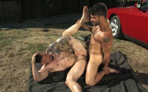 l12864-mistermale-gay-sex-porn-hardcore-videos-butch-hunks-muscles-studs-beefcakes-males-scruff-hairy-tatoo-015