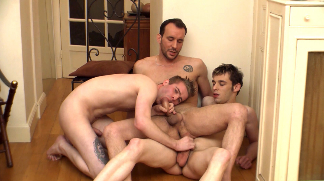 French twinks fuck on the floor