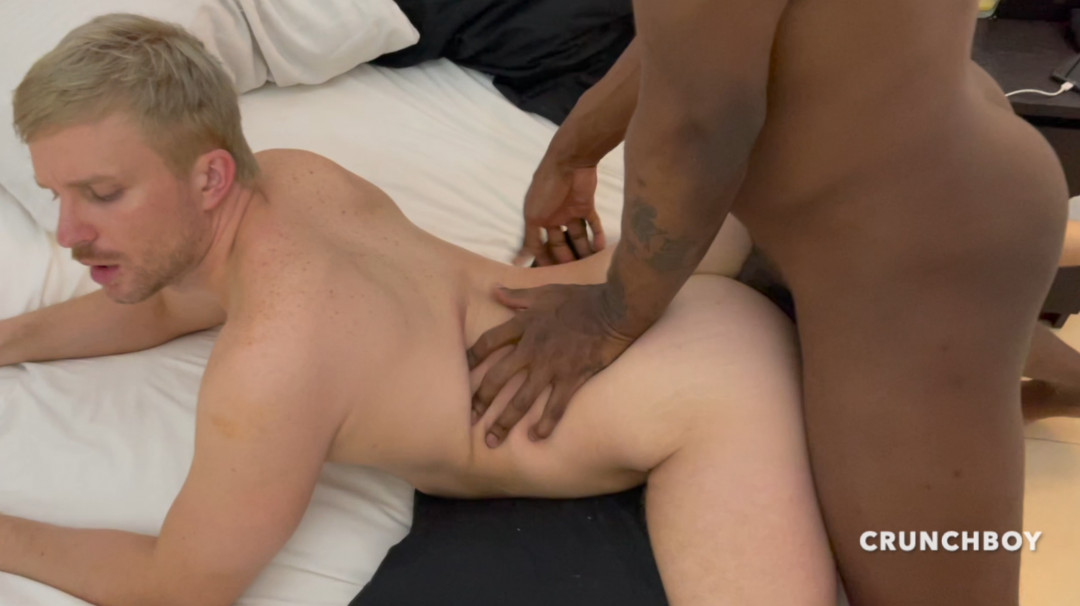 Le gros cul d' Alexis ATLANTE défoncé par les 26 cm de Jay CARTER