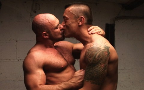 l7299-cazzo-gay-sex-porn-hardcore-alphamales-out-on-the-farm-001