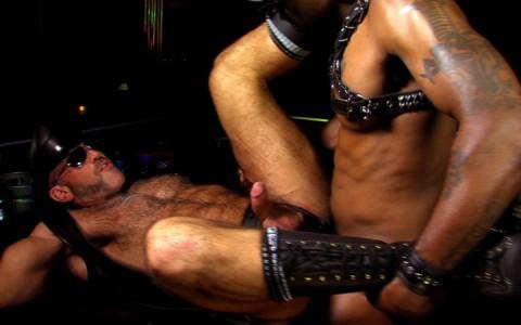 l12677-darkcruising-gay-sex-porn-hardcore-videos-hard-fetish-bdsm-rough-021