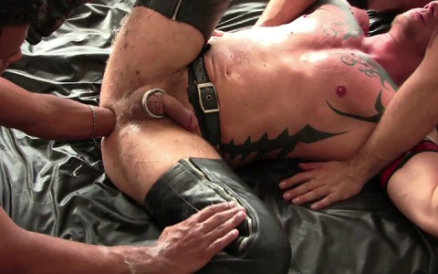 l14104-darkcruising-gay-sex-porn-hardcore-videos-fetish-bdsm-hard-fist-ff-leather-rubber-031
