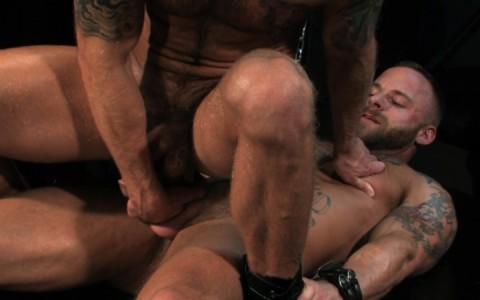 l09854-darkcruising-gay-sex-porn-hardcore-videos-hard-bdsm-fetish-darkroom-leather-rubber-skin-007