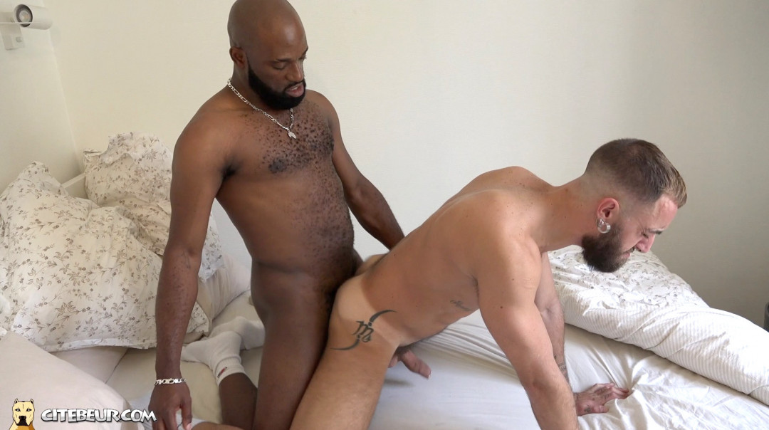 Yannis makes him learn all about anal pleasure