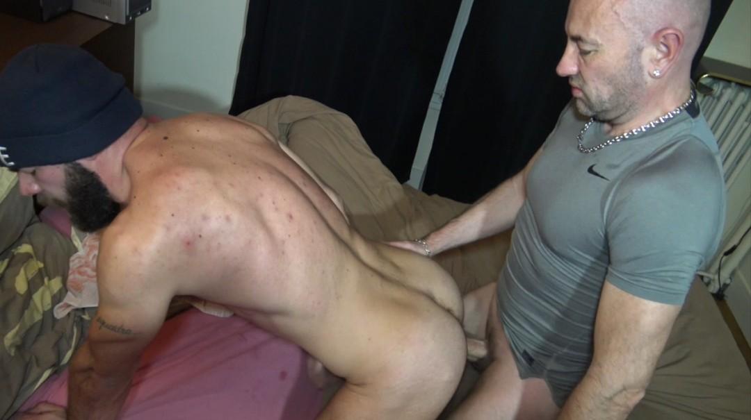 Jess ROYAN défoncé au jus par la pornstar MAX DURO
