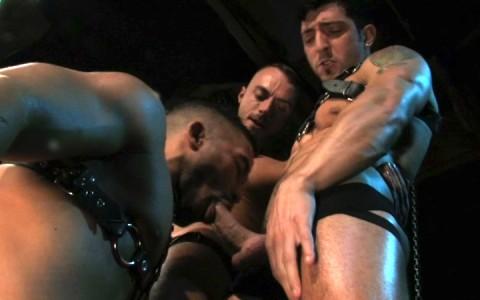 l9850-darkcruising-gay-sex-porn-hardcore-videos-bdsm-fetish-hard-kinky-darkroom-raging-stallion-fucked-up-006