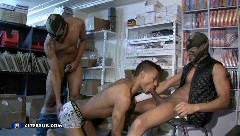1070-beur-gay-arab-gay-0003-1054