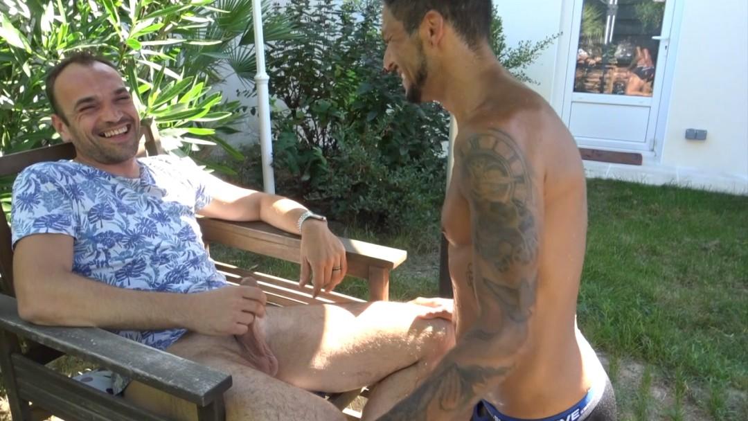 Esteban DIAZ fucked bareback by FRED outdoor