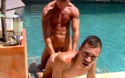 suce et sodo en bord de piscine 9