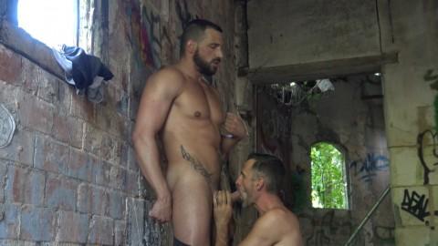 ENZO RIMENEZ dosé par le sexy daddy IAGO TORRES