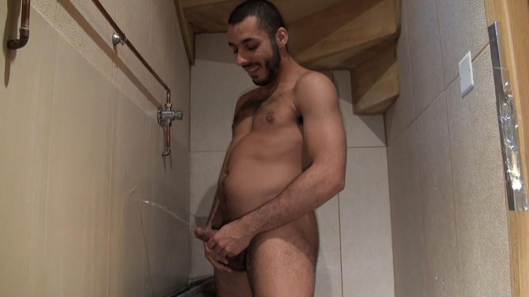 big dick of 2 BEARS in glory holes