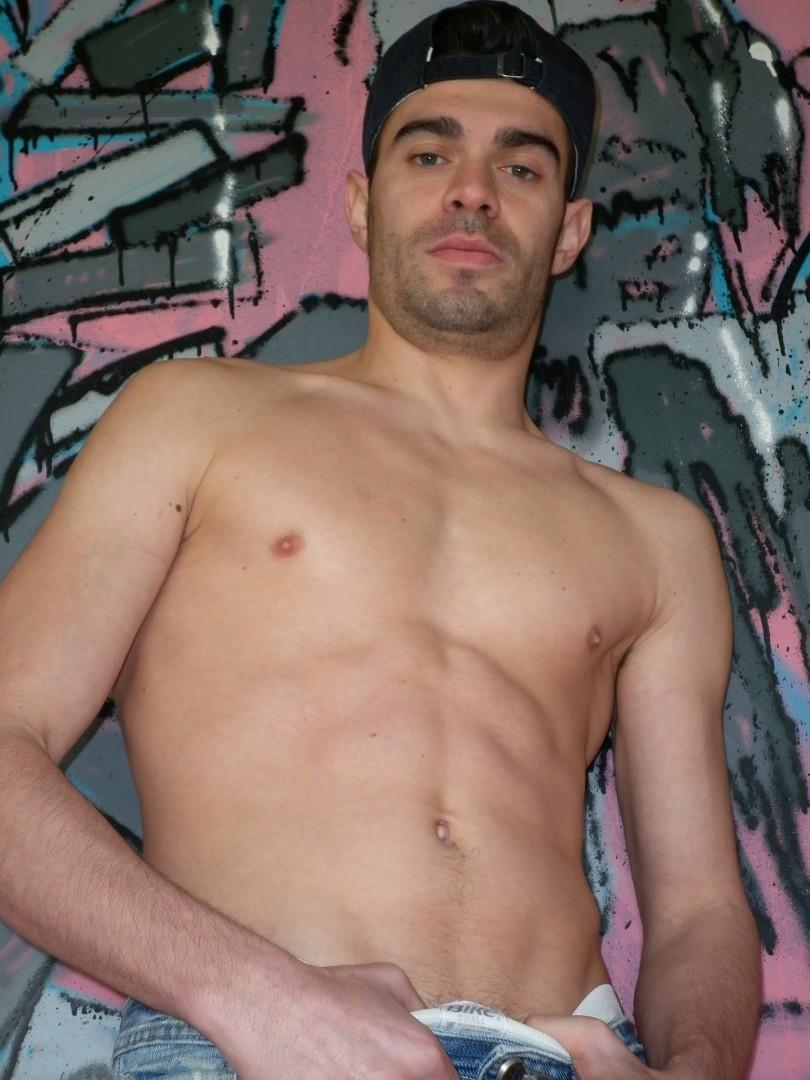 Tony MADRID