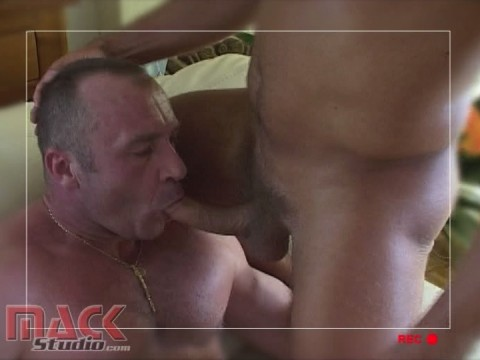 l11504-mackstudio-gay-sex-porn-hardcore-videos-french-france-butch-mack-manus-viril-016