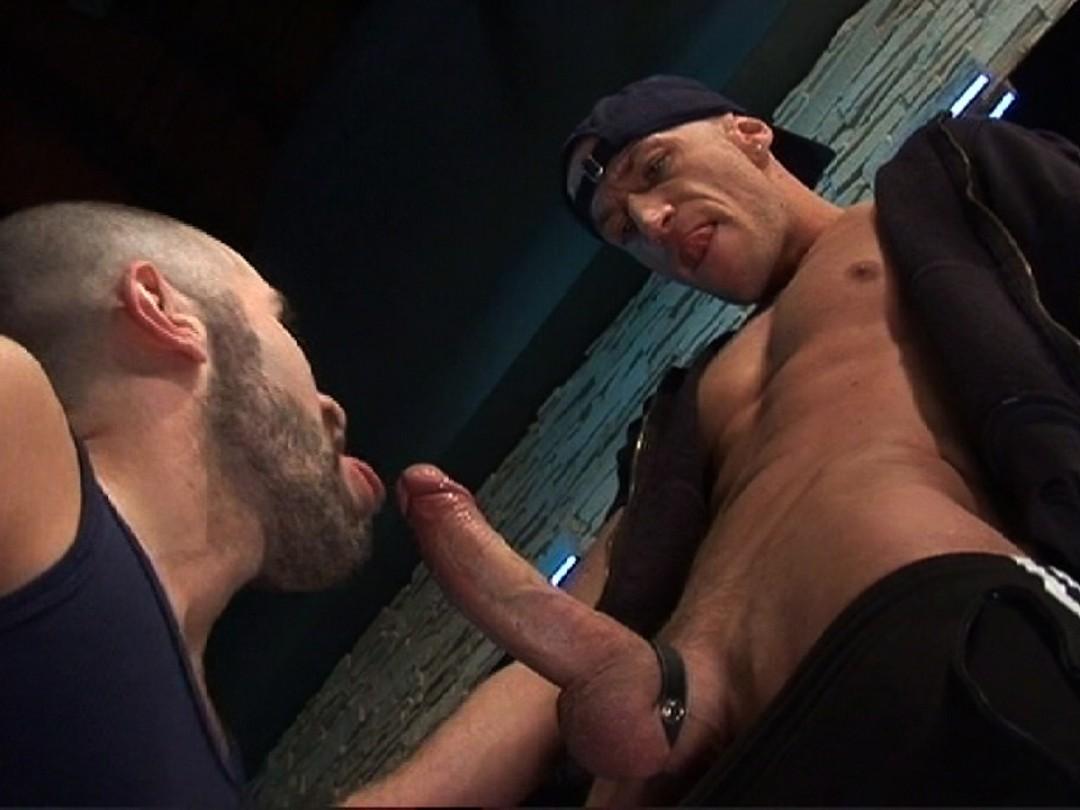 Hungry ass seeks big cock