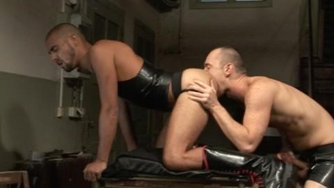 l6219-darkcruising-gay-sex-12